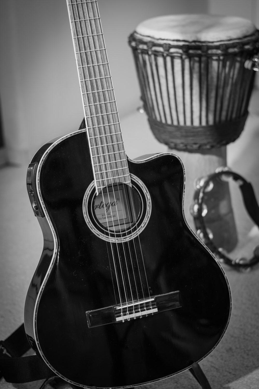 Gitarre schwarz weiß